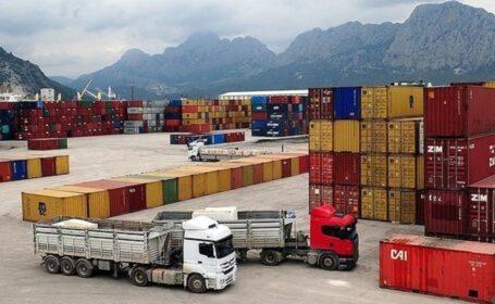 صادرات بیش از ۴۰ هزار تن کالا از کاشان به ۳۲ کشور جهان